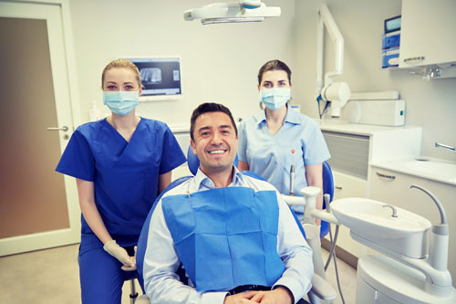 dentists-in-masks